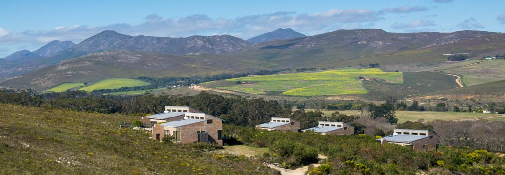 Self-catering cottage near Stanford with view across Overberg
