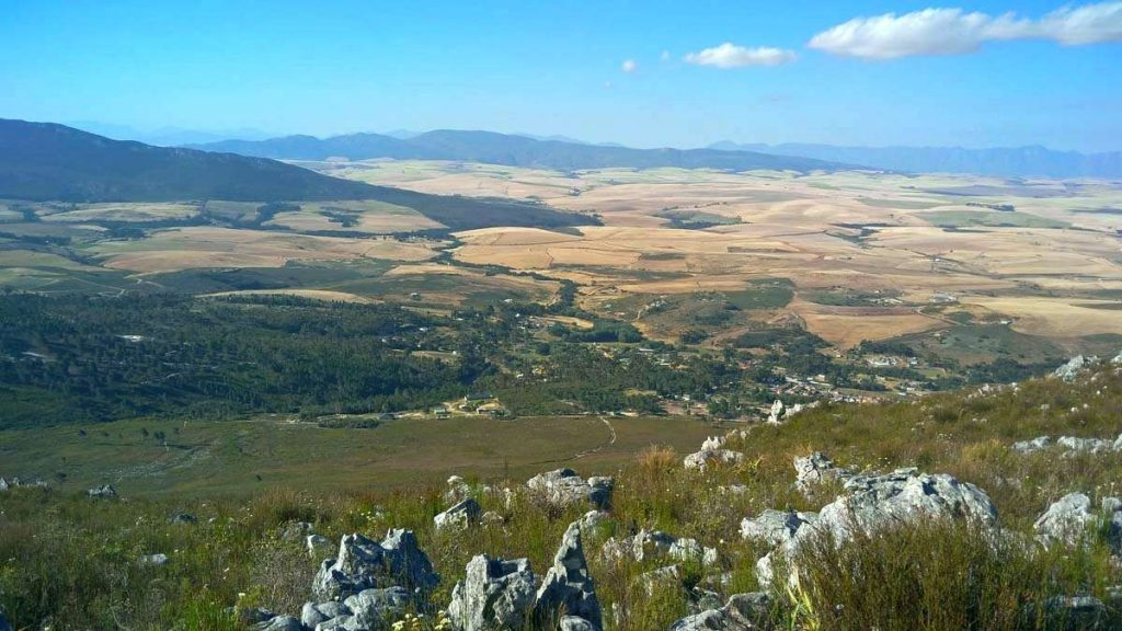 View over Tesselaarsdal and Overberg towards Caledon Swartberg and Riviersonderend Mountains